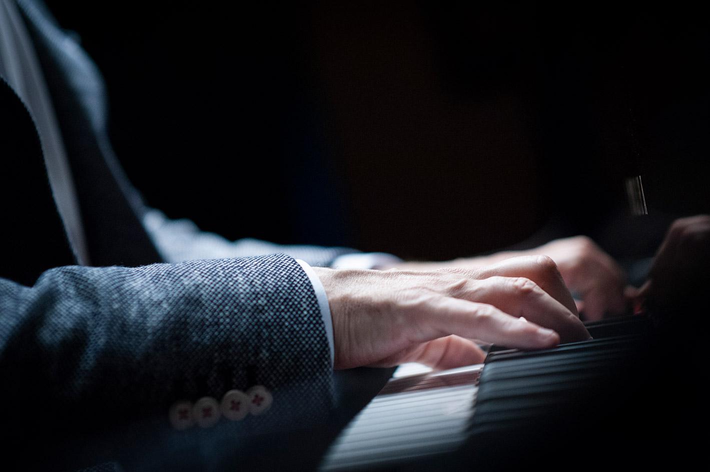 Fabio di Biase pianist playing