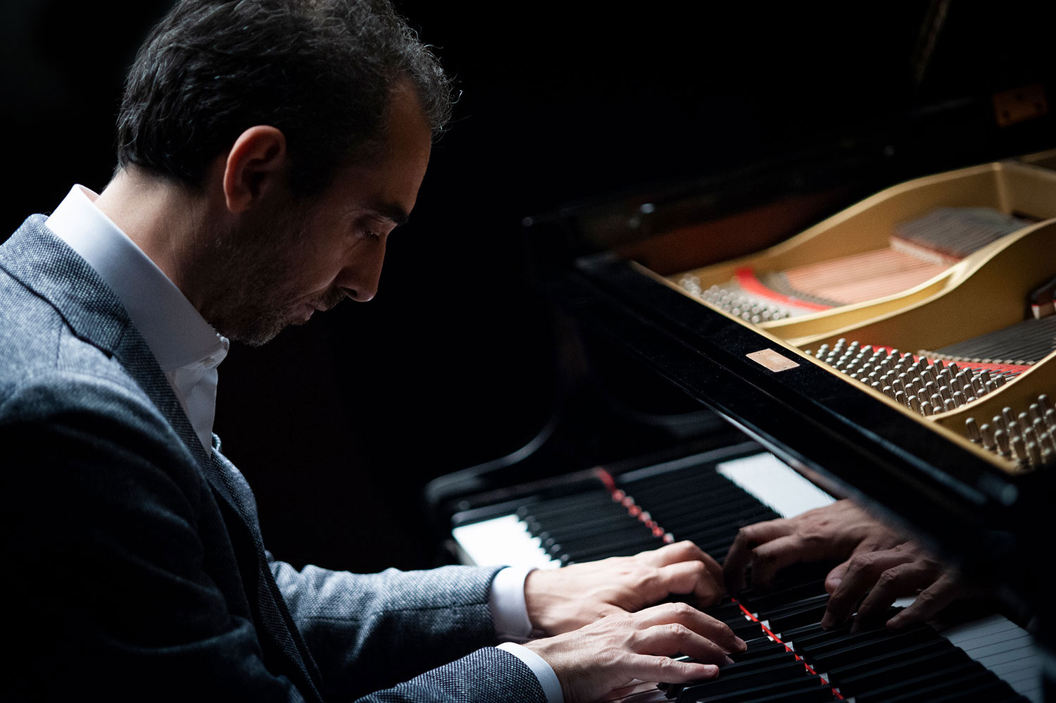 Fabio di Biase playing piano Yamaha