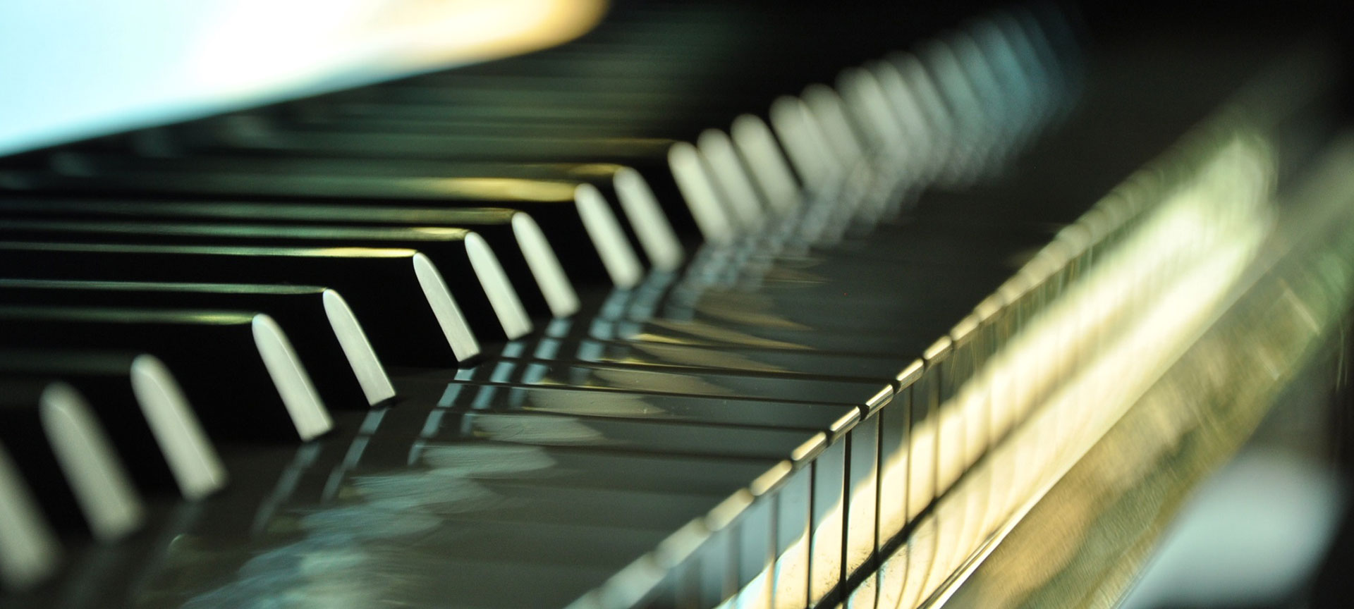 upright piano keys image